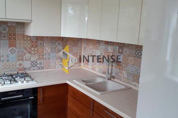 Магазин корпусной мебели Intense производит Кухни Современный стиль - Кухня эмаль и шпон алива.