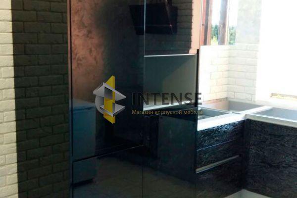 Магазин корпусной мебели Intense производит  - Кухня шпон с серебряной патиной и чёрного глянца