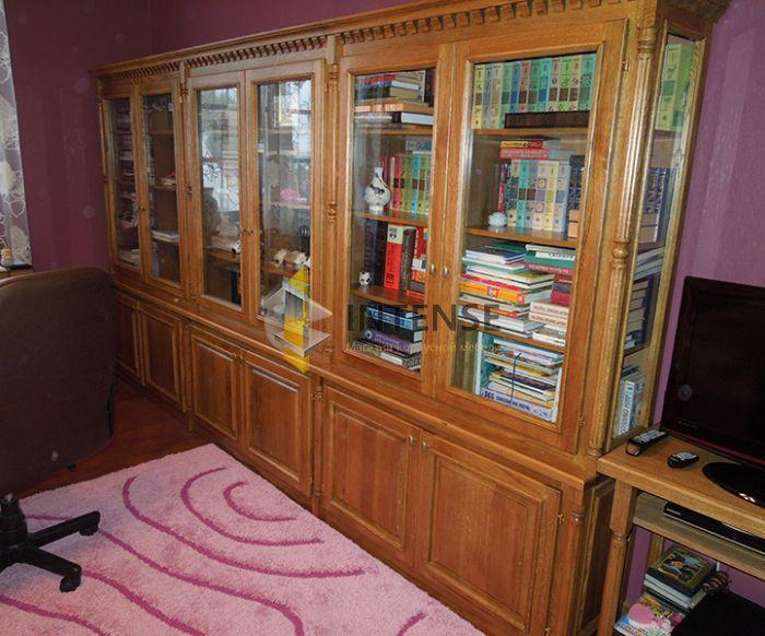 Магазин корпусной мебели Intense производит Шкафы из массива - Книжный шкаф